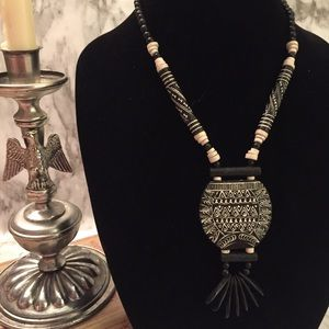 Jewelry - Vintage Tribal Painted Wood Necklace ET3